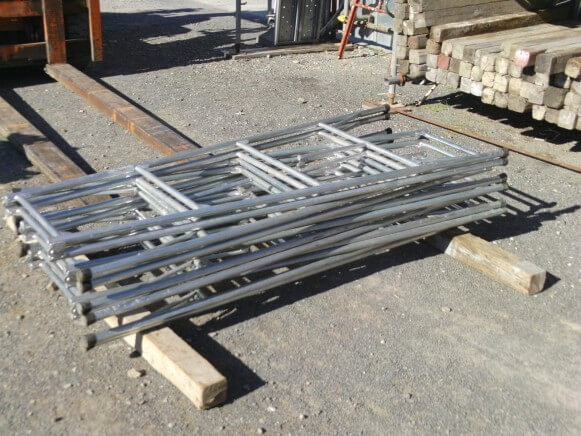 中古品 鋼製脚立3尺商品スライド画像2枚目